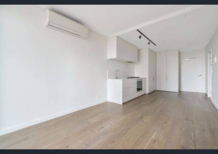 Brand New Apartment (2bed/2bath). Own bath and bedroom.