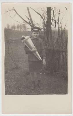 (34877) Foto AK Schulanfang, Junge mit Zuckertüte, vor 1945