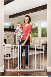 Baby Safety Gate 2 pairs 1 pair 40$