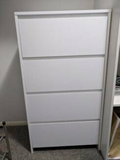 Matte White Chest of Drawers