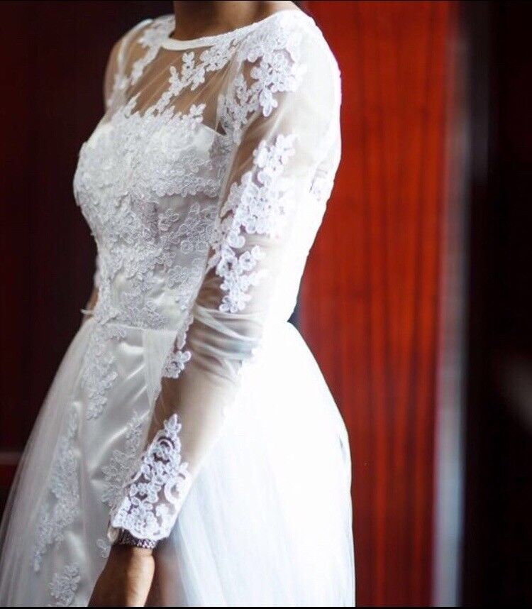 1c3ffaceec7402 Used Wedding Dress (Worn once)