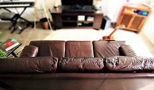 Moran Classic Leather Couch Meadowbrook Logan Area Preview