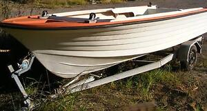 FREE 15' Fibreglass half cab hull. Project. Wyong Wyong Area Preview