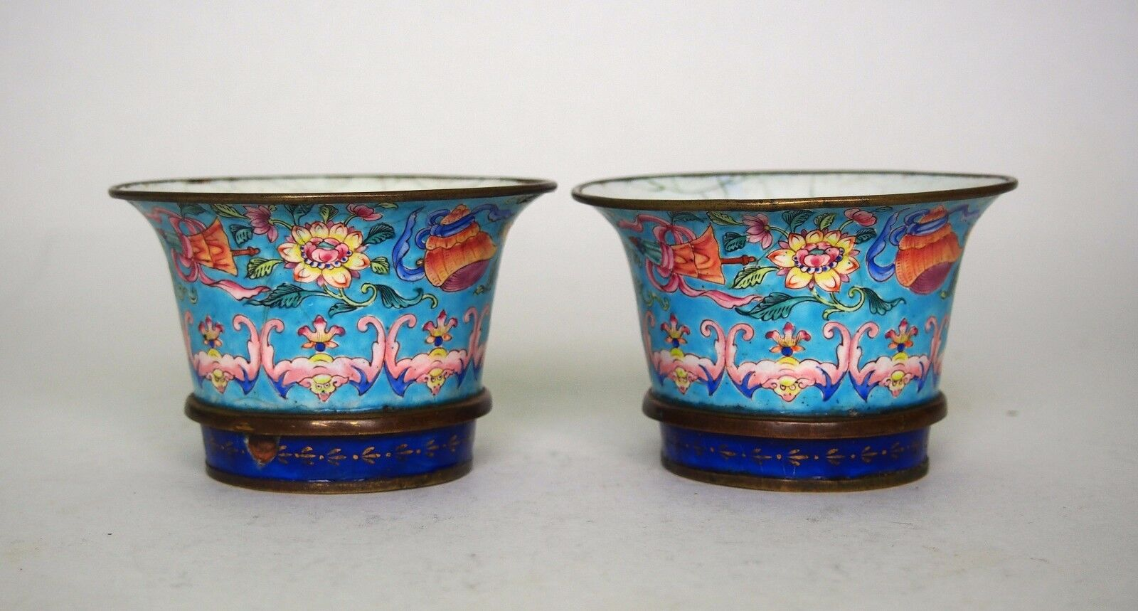 A Pair of Chinese Painted Enamelled Cups, Qing Dynasty