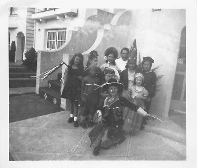 Little Kids In Halloween Costumes (VTG Photo LITTLE GIRLS BOYS in HALLOWEEN COSTUMES GUN COWBOY DRESS UP KIDS)