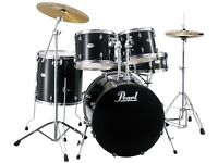 Pearl Forum Drumkite. Black.