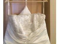 Gorgeous wedding dress for sale
