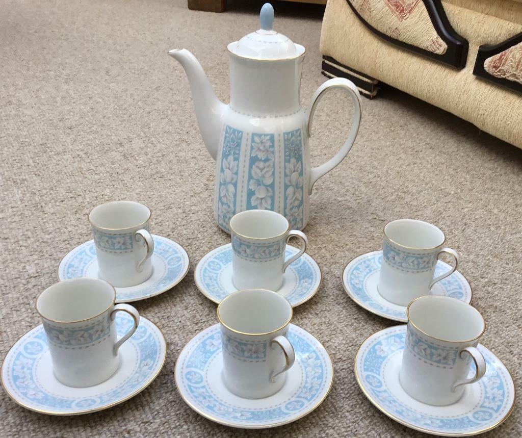 Royal Doulton Hampton Court Bone China Coffee Pot with 6 Cups & Saucers
