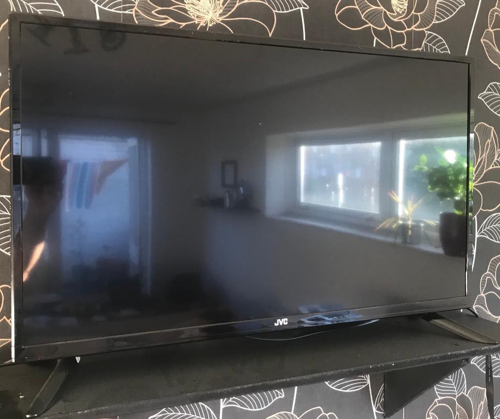 "JVC TV 32"" LED TV, DVB-T FREEVIEW TUNER"