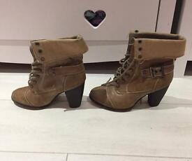 Light brown boots size 6