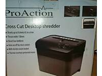 8 Sheet 4.6 Litre A5 Cross Cut Desktop Shredder