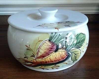 "MANCIOLI, Made in Italy, VEGETABLE CASSEROLE, LID, 6"", Hand Painted Carrots"