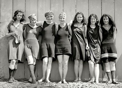 Flapper Girls Swimsuits Photo 1920s Flappers Jazz Prohibition era Roaring 20s
