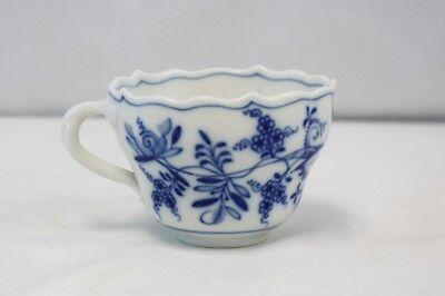 Antique Meissen Germany Porcelain Blue Onion Teacup