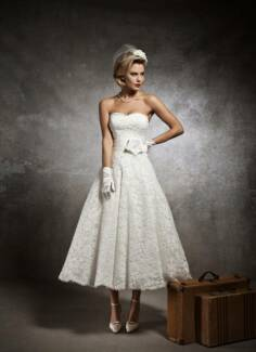 Justin Alexander tea-length Bridal Gown (vintage look) 10/12
