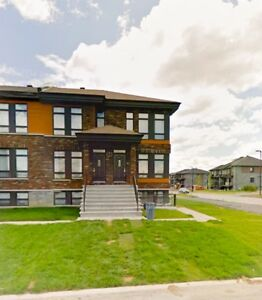 NICE 2BED CONDO IN PLATEAU HULL 1075$