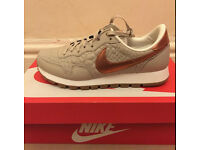Nike Air Pegasus '83 PRM QLT, Size UK 5.5