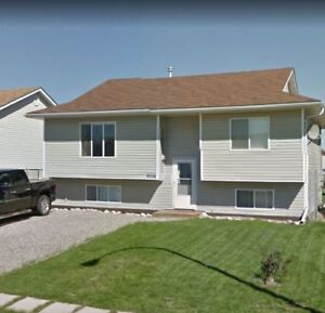 5 BEDROOM 3 BATH HOUSE FOR RENT