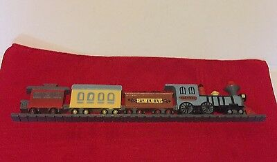 "COOL 15"" VINTAGE BURWOOD PLASTIC TRAIN LOCOMOTIVE WALL PLAQUE 3110A MAN CAVE"