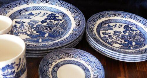 Churchill England Blue Willow Dinner / Salad Plates Cups/Saucers 16 Pcs