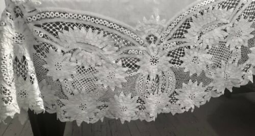 "Edwardian Hand Made Elaborate Royal Battenberg Lace White Round Tablecloth 65"""