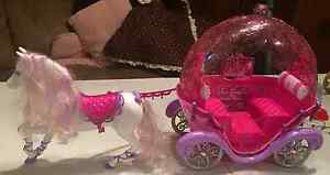 BARBIE and Ken carriage set w/Glitterizer West Island Greater Montréal image 5