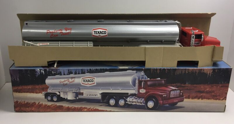 1975 Texaco Toy Tanker Truck Lights & Sounds 1995 Edition NOS