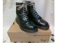 DOC MARTENS/ DR MARTENS 1460s SIZE 7 IMMACULATE CONDITION