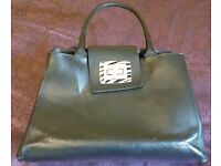 Guliver Design hand-made handbag. Recycled leather.