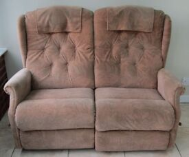 2-seater sofa, individually reclining, comfortable, good condition