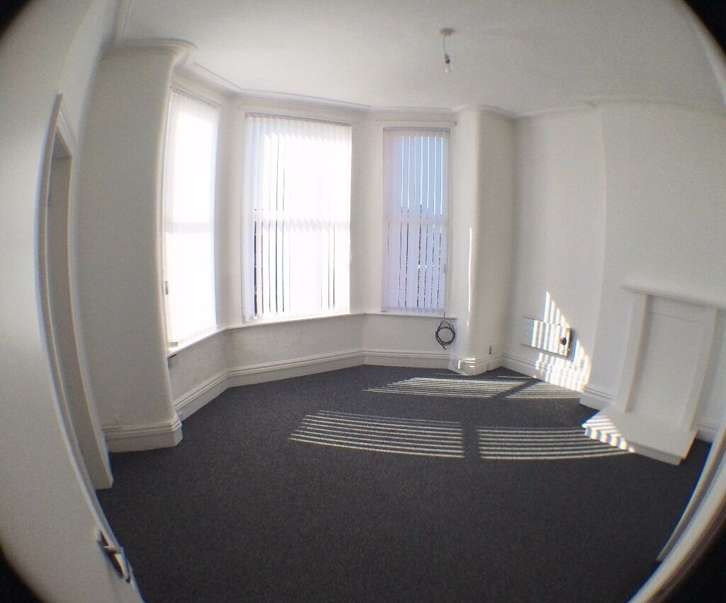 2 bed well presented 1st fl apt, set in quiet location in Bootle, L20, unfurn