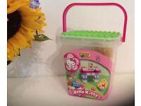 Box Unicorn Plus Hello Kitty building blocks, like Lego duplo