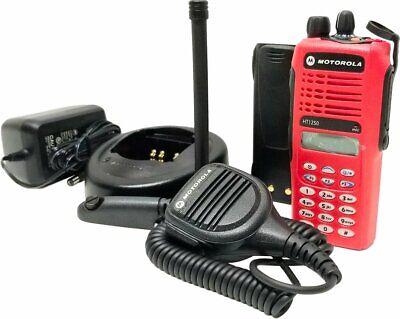 Motorola Ht1250 Vhf 136-174 Mhz 128-ch Full Key Two Way Radio Aah25kdh9aa6an Red
