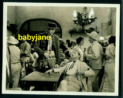 GARY COOPER VINTAGE 8X10 PHOTO 1930 THE TEXAN IN CANTINA