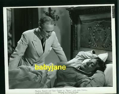 GARY COOPER VINTAGE 8x10 PHOTO 1935 DESIRE WAKING UP IN BED