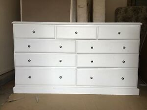 White Chest of Draws (Can Delivery) Prestons Liverpool Area Preview