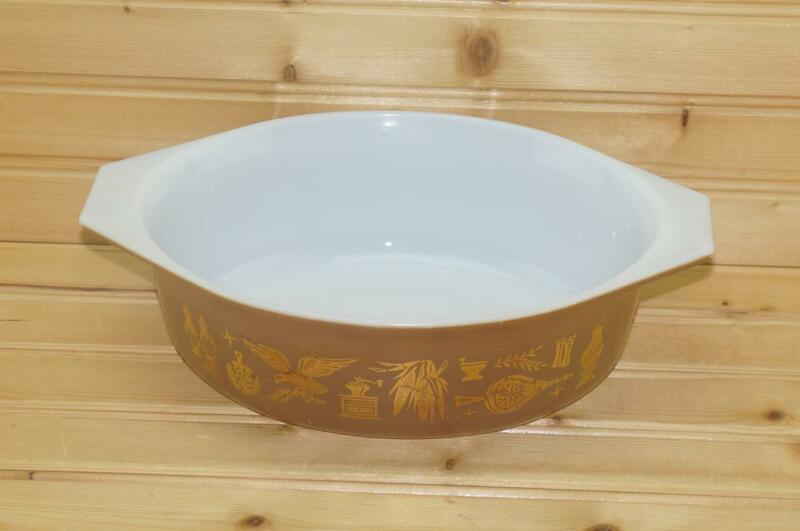 Pyrex EARLY AMERICAN 1½ Quart Oval Casserole Dish | USA