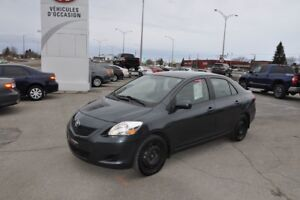 2012 Toyota Yaris LE W/ AC AND POWER WINDOWS