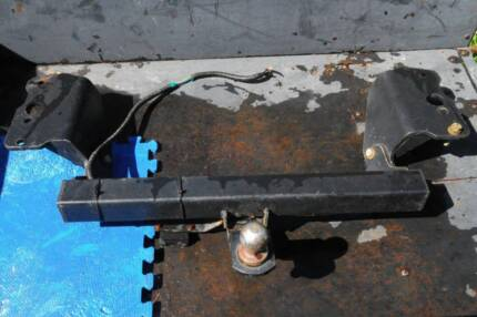 TOYOTA COROLLA 2007 ONWARDS TOWBAR with wiring complete Oakford Serpentine Area Preview
