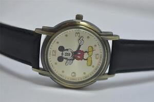 Disney-Women-Mickey-Mouse-Collectible-Vintage-Style-Strap-Watch-mck983