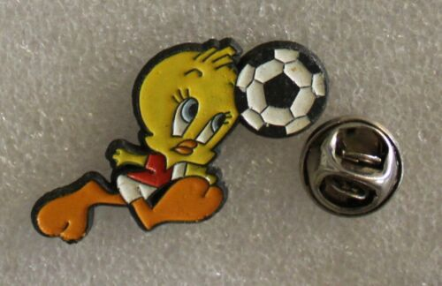 "1990s TWEETY BIRD Soccer Lapel Pin 3 x 3 cm 1.2"" x 1.2"" Looney Tunes Warner Bros"
