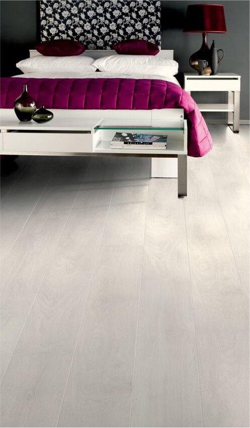 Wickes Aspen Oak Laminate Flooring In Lutterworth Leicestershire