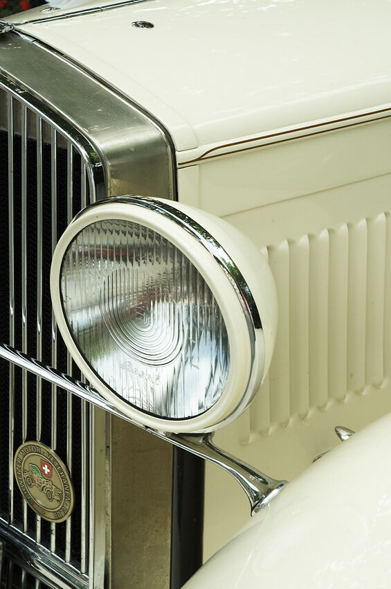 How to Buy a Replacement Bulb for an Alfa Romeo