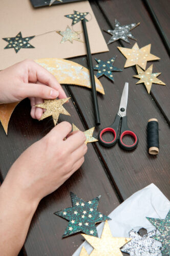 Scheren zum Basteln: Tipps zum Einsatz von Bastelscheren, Motiv- und Pinzettenscheren
