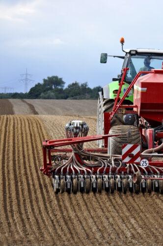 Ratgeber für die Auswahl von Forken & Gabeln zum Anbau an Traktoren