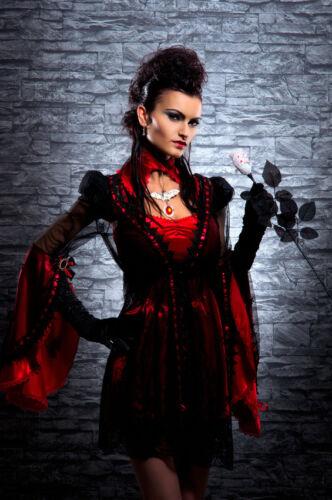 Fabelhafte Gothic-Kleider im Mittelalter-Stil aus Lack und Spitze: Was passt dazu?