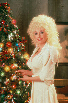 DOLLY PARTON 24X36 POSTER PRINT BY CHRISTMAS TREE