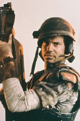 Bill Paxton As Pvt  Hudson In Aliens 11X17 Mini Poster