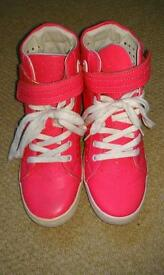 Pink trainers size 4