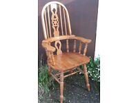 Oak High-Back Windsor Armchair With Wheel And Stick Design - Arm Chair Wheelback